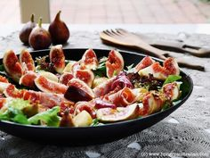 Fig, Prosciutto & Pear Salad | The Hungry Australian