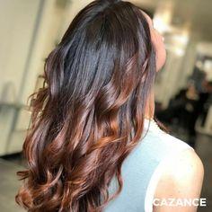 COLORATION & COIFFAGE par #Cazance   Une couleur éclatante et personnalisée pour Margaux.  Un jeu de contraste sur les racine avec une teinte plus foncée avant d'appliquer un glossing « spicy Cayenne » sur les longueurs pour réchauffer & dynamiser l'ensemble de la couleur.  Coiffage wavy pour procurer souplesse aux cheveux & mettre en valeur les beaux reflets ultra vibrants du Copper red.  #Coiffure #Coiffage #Coloration #LaBiosthetique #Suisse #Geneve #Geneva Lausanne, Hair Extensions, Hair Cuts, Hair Color, Quelque Chose, Long Hair Styles, Beauty, Coloring, Hue