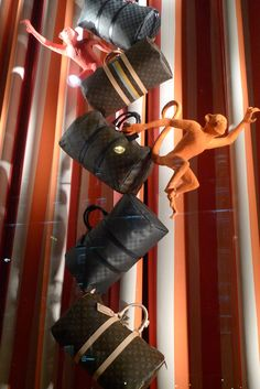Louis Vuitton Circus windows, Paris visual merchandising