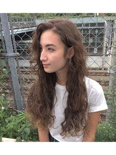 【Lomalia表参道/原宿】セットが簡単でルーズなスパイラルパーマ/Lomalia【ロマリア】をご紹介。2017年冬の最新ヘアスタイルを100万点以上掲載!ミディアム、ショート、ボブなど豊富な条件でヘアスタイル・髪型・アレンジをチェック。