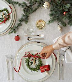 Σετ σερβιρίσματος, Atric, WMF | Παρουσίαση www.parousiasi.gr Christmas 2015, Table Decorations, Furniture, Home Decor, Decoration Home, Room Decor, Home Furnishings, Home Interior Design, Dinner Table Decorations