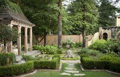 European Chic In American Garden | outdoortheme.com