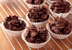 Make life easy this half term and make chocolate cornflake kids with the little ones – they'll love licking the bowl! Chocolate Cornflake Cakes, Chocolate Treats, Delicious Chocolate, Delicious Desserts, Childrens Meals, Baking With Kids, Easter Chocolate, Home Baking, Baking Recipes