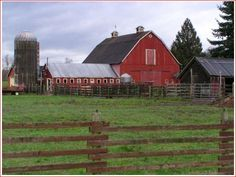 Smallville--Kent Farm. My absolute DREAM would be to get married on this farm!!!