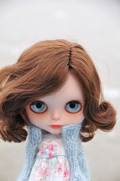 Blythe - Her eyes will follow you...