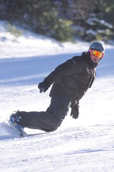 Big Boulder will kick off this season by opening Freedom PARK TODAY 11/14 at 3PM for a day of features and fun. http://skipa.com/resort-info/media-center-press-room/ski-area-press-releases/479-jfbb-opens-and-gives-back-for-the-seventh-consecutive-season