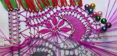 Dentelle : la guipure N° 30 (suite) Lace Heart, Lace Jewelry, Lace Making, Bobbin Lace, Beadwork, Lace Detail, Bookmarks, Needlepoint, Tatting