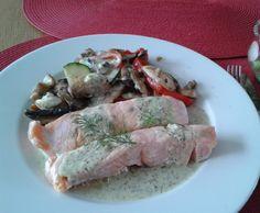 Rezept Lachsfilet mit Dillsauce auf Gemüsebett (Low Carb) von daxiplant - Rezept der Kategorie Hauptgerichte mit Fisch & Meeresfrüchten