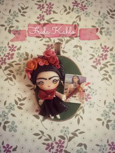 Colgante Frida Kahlo (colección Little big women)/ Frida Kahlo necklace