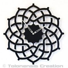 Beautiful Oriental clock ARABESQUE well designed for a muslim decoration