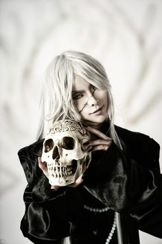 black butler undertaker cosplay. beautifully done