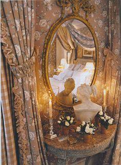 Elegant corner of the guest room by Howard Slatkin