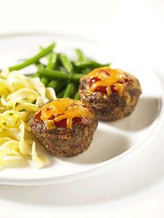 Beef Cheeseburger Mini Meat Loaves Recipe by Canadian Beef Meatloaf Recipes, Beef Recipes, Beef Meals, Dry Bread Crumbs, Valeur Nutritive, Nutrition, Beef Dishes, Food To Make, Main Dishes