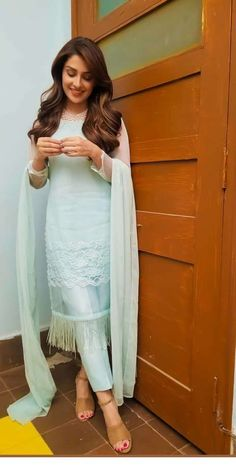 Designer Dresses at sale prices Pakistani Dresses Casual, Indian Gowns Dresses, Indian Fashion Dresses, Dress Indian Style, Pakistani Dress Design, Indian Outfits, Muslim Fashion, Simple Kurti Designs, Stylish Dress Designs