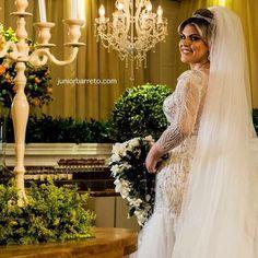 Noiva Julia com Vestido de Noiva