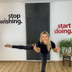 """Guten Morgen und einen wunderschönen Montag ☀️. Mein Motivationsimpuls heute für dich: 🏎 𝑺𝒕𝒐𝒑 𝒘𝒊𝒔𝒉𝒊𝒏𝒈, 𝒔𝒕𝒂𝒓𝒕  𝒅𝒐𝒊𝒏𝒈! ⠀⠀⠀⠀⠀⠀⠀⠀⠀ Motivation bringt dich in Gang, Gewohnheiten machen dich erfolgreich! ⠀⠀⠀⠀⠀⠀⠀⠀⠀ 🚶♂️ Gewohnheiten baust du ganz """"unscheinbar"""" auf. In kleinen dafür aber REGELMÄSSIGEN Schritten. ⠀⠀⠀⠀⠀⠀⠀⠀⠀ 🎯 Denk an dein Ziel: Was wäre der erste Schritt in diese Richtung ? Der Erste, nicht die ersten 20. Fang beim Ersten an. Dann geh kontinuierlich weiter, mach… Motivation, Instagram, Home Decor, Goal, Good Morning, Nice Asses, Decoration Home, Room Decor, Home Interior Design"""