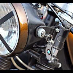 #ignition #caferacersociety #caferacerxxx #caferacerworld #cool #awesome #iwc3 #r80rt #bmw #r80 #bmwcaferacer #airhead #boxer #caferacer #motor #iwcmotorcycles #motors #vintagemotorcycle #caferacerculture #custommotorcycle #bike #caferacers #bratstyle #caferacersofinstagram #vintage #bikersofinstagram #caferacerclub #croig #brat #ridecafe59 by arjanvandenboom http://ift.tt/1xevTUq