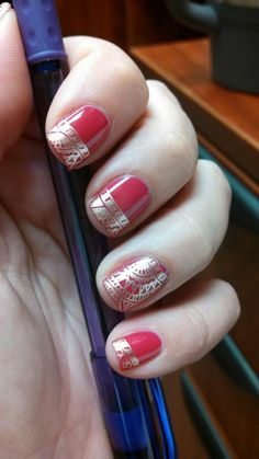 sari inspired I am not into having my nails done but this I would do!