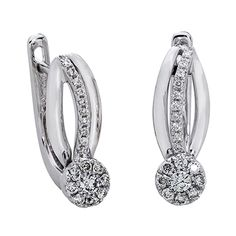 Aretes en oro blanco de 18 Kilates con 38 diamantes de 0.26 Ct Peso total.