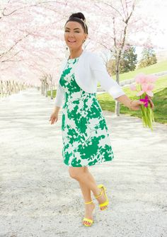 The very essence of Spring ladylike style and floral print dress