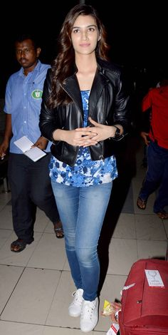 Kriti Sanon at Mumbai airport. #Bollywood #Fashion #Style #Beauty #Hot