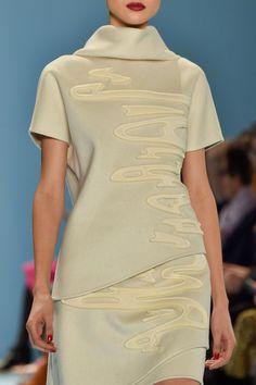 Carolina Herrera at New York Fashion Week Fall 2015 - Details Runway Photos