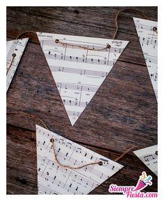 Ideas para fiesta de cumpleaños de Hannah Montana. Encuentra los artículos para tu fiesta en nuestra tienda en línea: http://www.siemprefiesta.com/fiestas-infantiles/ninas/articulos-hannah-montana.html?utm_source=Pinterest&utm_medium=Pin&utm_campaign=HannahMontana