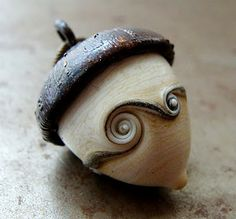 Acorn Pendant, Julie Nordine, Credit River Art Glass, http://www.creditriverartglass.com/