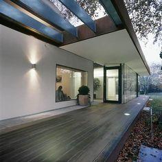 taras przy domu - Rozbudowa domu - z jakich materiałów dom? Dom murowany czy drewniany e-sciany.pl