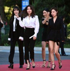 Kpop Girl Groups, Kpop Girls, Kpop Fashion, Fashion Outfits, Mamamoo Kpop, Solar Mamamoo, Rhythm And Blues, Sensual, Dress To Impress