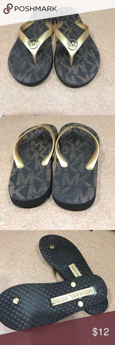 Michael Kors flip flops Gold Michael Kors flip flops Size 8 KORS Michael Kors Shoes Sandals