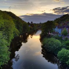 https://flic.kr/p/t5p1Be | The sun going down... #upsticksandgo #river #ironbridge #travel #sunset #tourist #exploring #michfrost #uk
