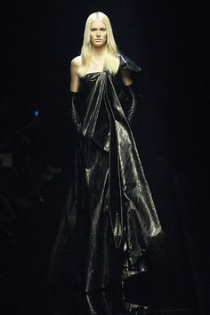 Givenchy Fall 2006 Couture - Collection - Gallery - Style.com