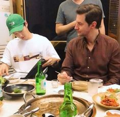 """Nothing about our man on the post but I found his photo with Soong Joong-ki. I am sure he enjoyed Korean BBQ. Francis Dolarhyde, Korean Bbq, Korean Food, Barbara Stanwyck, Song Joong Ki, Humphrey Bogart, Clark Gable, Lauren Bacall"