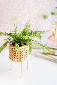 DIY: Mini-Pflanzenständer mit Wiener Geflecht