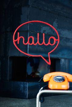"""Powerword: Sprechblase """"hallo"""". Einfach aufhängen und alles ist gesagt. Gesehen auf www.trendbezirk.com"""