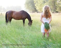Senior Picture Ideas For Country Girls | have truly lost my blogging mojo, but once I'm through my busy senior ...