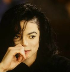 ♥ Michael Jackson ♥ - my absolute all-time favorite photo of his.  :)