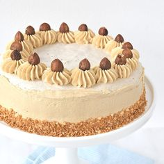 You searched for Hazelnoot taart - Laura's Bakery Sticky Toffee Cake, High Tea, Fun Desserts, Tiramisu, Creme, Sweet Tooth, Bakery, Birthday Cake, Favorite Recipes