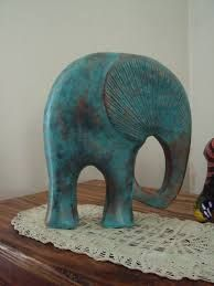 Gerelateerde afbeelding Elephant Love, Elephant Art, Elefante Hindu, Zine, Wooden Toys, Sculpture Art, Decoupage, Diy And Crafts, Dinosaur Stuffed Animal