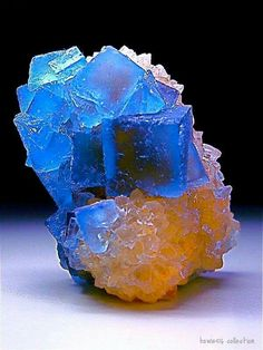 ✿⊱♥ Fluorite crystals on a Quartz matrix, Bingham New Mexico, / Mineral Friends