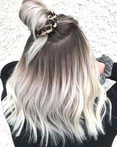 Blonde Ombre Short Hair, Blonde Hair Looks, Brown Blonde Hair, Platinum Blonde Hair, Silver Ombre Hair, Blonde Wig, Blonde Hair With Dark Roots, Ash Ombre Hair, Ice Blonde