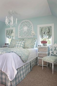Turquoise Room Ideas - Turquoise it could be bold and strong, it's additionally soothing as well as relaxing.Here are of the best turquoise room interior design ideas. Guest Bedrooms, Shabby Bedroom, Bedroom Design, Cottage Decor, Home Decor, Dreamy Bedrooms, Chic Bedroom, Blue Bedroom, Shabby Chic Bedrooms