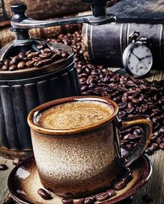 Just a bit of morning coffee porn to get your taste juices flowing...rise & grind