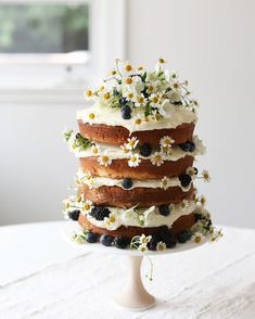 Remarkable Wedding Cake How To Pick The Best One Ideas. Beauteous Finished Wedding Cake How To Pick The Best One Ideas. Pretty Cakes, Cute Cakes, Beautiful Cakes, Cake Boss, Bolo Floral, Plats Healthy, Daisy Cakes, Naked Cake, Layer Cake Recipes