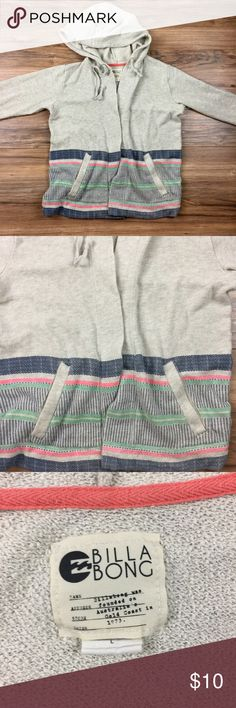 Women's Billabong Hoody Awesome Condition Billabong Hoody This is not your average hoody with a zipper or buttons this is meant to be worn open. Great Looking Hoody! Billabong Sweaters