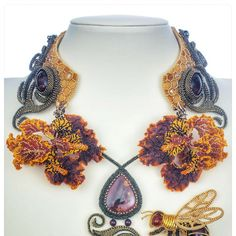 Check out The Beauty in the Bees, by Tatiana Fitzpatrick. Cast your vote in the 2017 BeadDreams People's Choice Award competition of bead artistry!