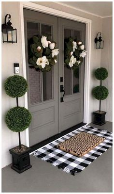 47 Chic Spring Decorating Ideas for Front Porch #dreamhouse #springdecoratingideas #frontporchdecorating ~ vidur.net