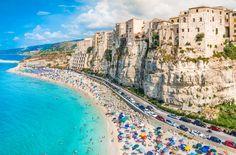 Tropea - Na Itália, é possível conhecer uma cidade construída pelos romanos embaixo de uma enorme rocha com mais de 350 milhões de anos. Interessante, não? Com mais de 3 mil anos de idade, Tropea está localizada na região da Calábria....