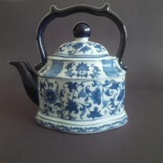 BOMBAY Blue And White Hand Painted Tea Pot - Beautiful - Excellent Condition | eBay